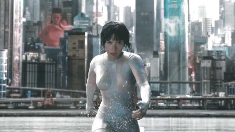 Major Motoko Kusanagi (Scarlett Johansson), stealth mode deactivated, «Ghost in the Shell» (2017).