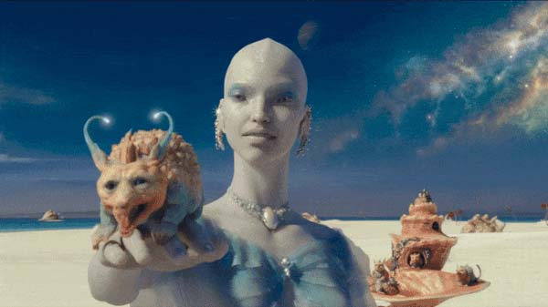 The little animal emits pearls, «Valerian and the City of a Thousand Planets» movie, 2017.