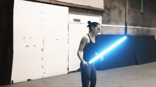 Daisy Ridley trains with a lightsaber on the set of the eighth episode of Star Wars.
